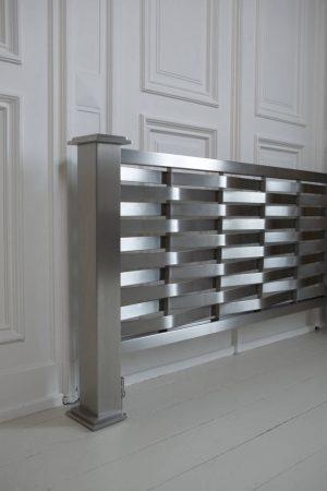 horizontale rvs design radiator woonkamer